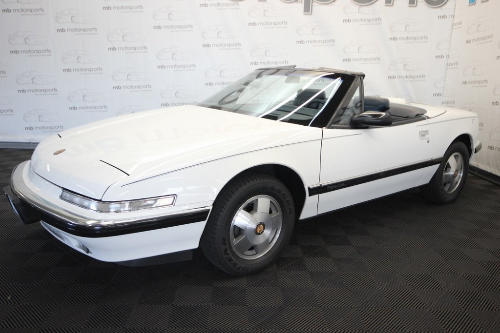Pre-Owned 1990 Buick Reatta Grand Tourer