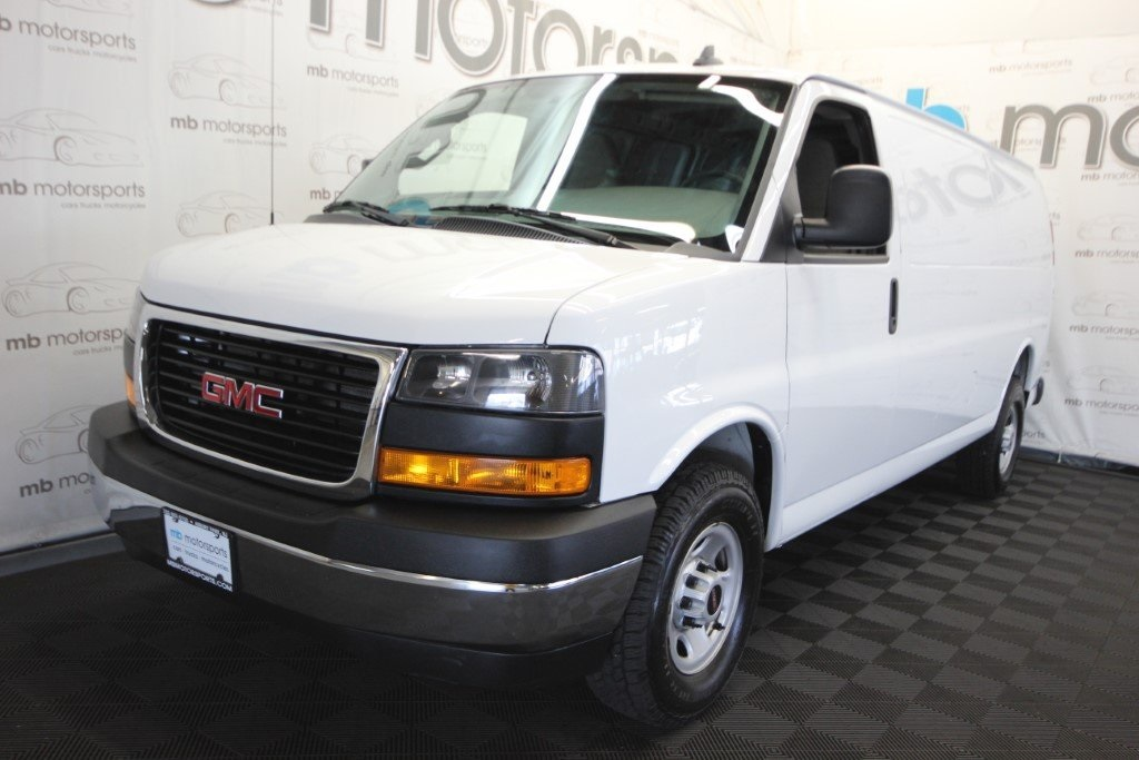 Gmc Savana 3500 >> Pre Owned 2018 Gmc Savana 3500 Work Van 3d Extended Cargo Van In