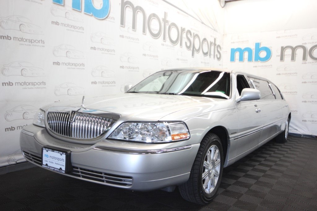 Pre-Owned 2008 Lincoln Town Car Executive Limousine
