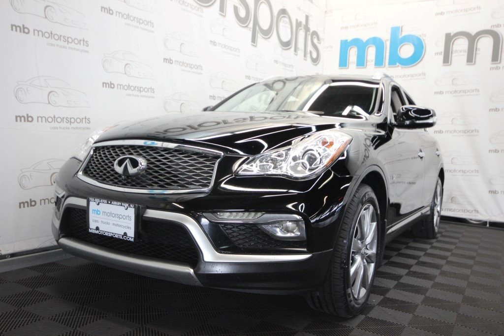 Pre-Owned 2016 INFINITI QX50 Premium Package
